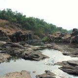 Basalts along the banks of River Ugavati