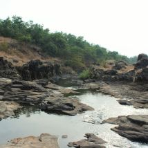 Basalts along the banks of River Ugavati